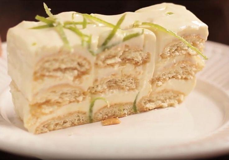 Το πανεύκολο μπισκοτογλυκό ψυγείου έχει αυτήν την αψάδα του λεμονιού που σε συνδιασμό με την κρεμώδη αίσθηση, συνθέτουν μια απόλαυση για ιδιαίτερους ουρανίσκους. Για το μπισκοτογλυκό θα χρειαστείτε: περίπου 1 πακέτο μπισκότα σαβαγιάρ 300 γρ. κρέμα γάλακτος 400 γρ.