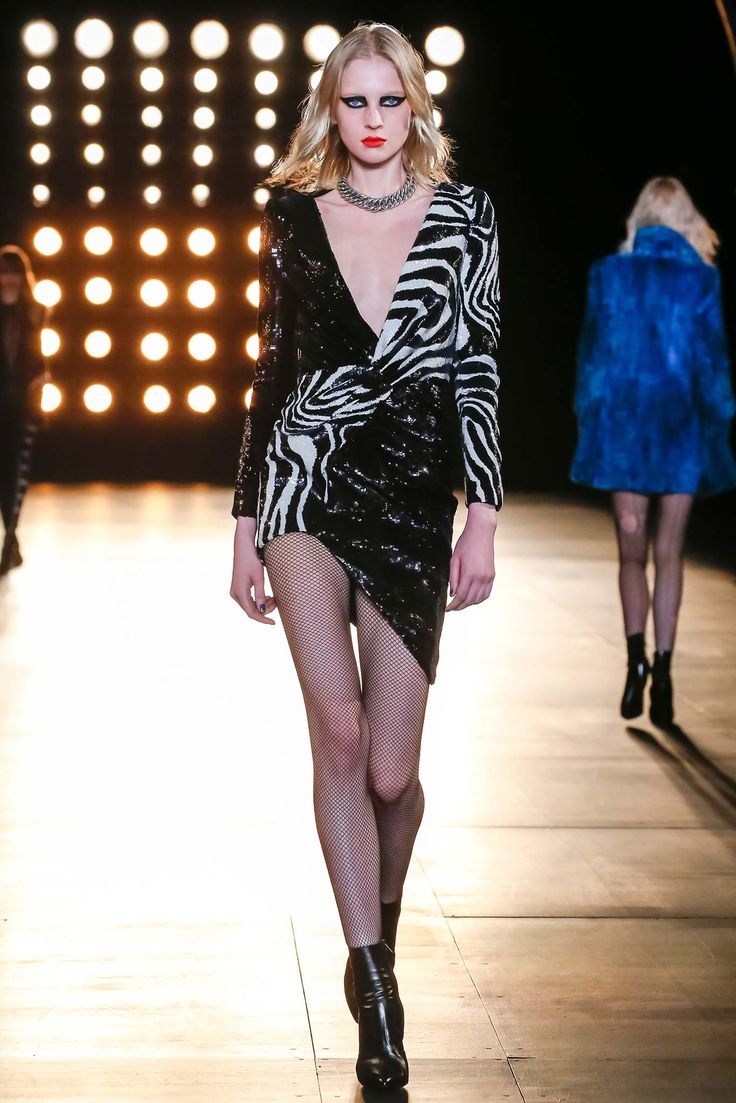 Saint Laurent - Fall 2015 Ready-to-Wear - Look 40 of 60
