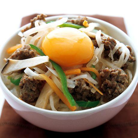 野菜たっぷりビビンバ丼   重信初江さんのどんぶりの料理レシピ   プロの簡単料理レシピはレタスクラブネット