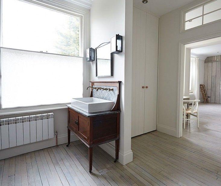 London Victorian, Antique wood washstand | Remodelista
