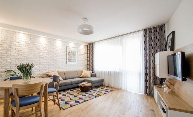 Apartament de 3 camere excelent renovat pentru o familie cu doi copii - imaginea 1
