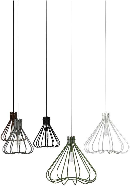 Trendhopper ● Varieer met hanglampen boven de eettafel.