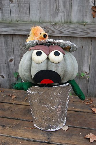 Creative pumpkins oscar the grouch and pumpkin decorating