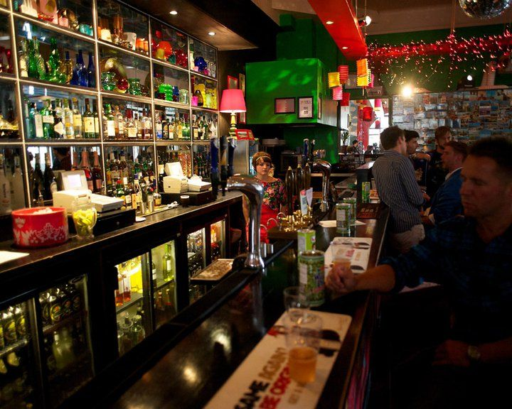 Sticky Mike's Frog Bar & live music