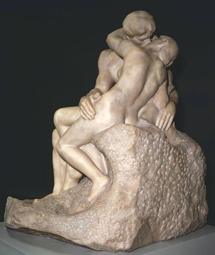 Поцелуй.Огюст Роден. Париж.Франция.Из истории: Скульптура на создание которой великого Огюста Родена вдохновила страсть к его ученице, скульптору Камилле Клодель. В течение 15 лет девушка была для него возлюбленной, натурщицей, музой, генератором идей и соавтором работ. После их расставания Камилла лишилась рассудка, а Роден не создал ни одного выдающегося произведения.