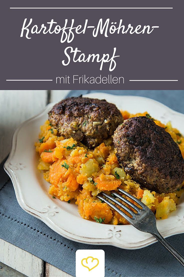 Kartoffel-Möhren-Stampf mit Frikadellen Deftiger Gemüsestampf aus Kartoffeln und Möhren und eine herzhafte Frikadelle machen dieses simple Gericht zur neuen (alten) Leibspeise für Klein und Groß.