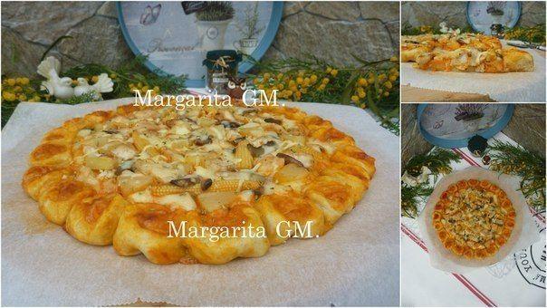 ♨ Картофельная пицца с курицей, морковью по-корейски и ананасом.  Автор: Маргарита Масловская  Вот наконец-то добралась и до этих фотографий и сразу же, как и обещала, выкладываю рецепт.   Картофельная пицца или Пицца на картофельном тесте с курицей, морковью по-корейски и ананасом:  1. Смешать сильную муку (300гр.) с сухими дрожжами для хлеба (1,5ч.л.). Соль, перец по вкусу. Ввести картофельное пюре (картофель 5шт., сливочное масло, кипяченое молоко, соль, перец по вкусу), добавить ом…