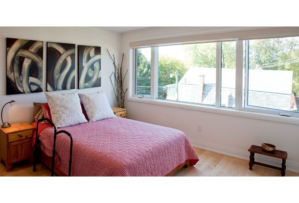 Roncesvalles Accessible House - Master bedroom