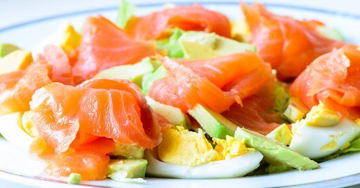 Avokado - laša un olas salāti viesībām un svētku reizēm.