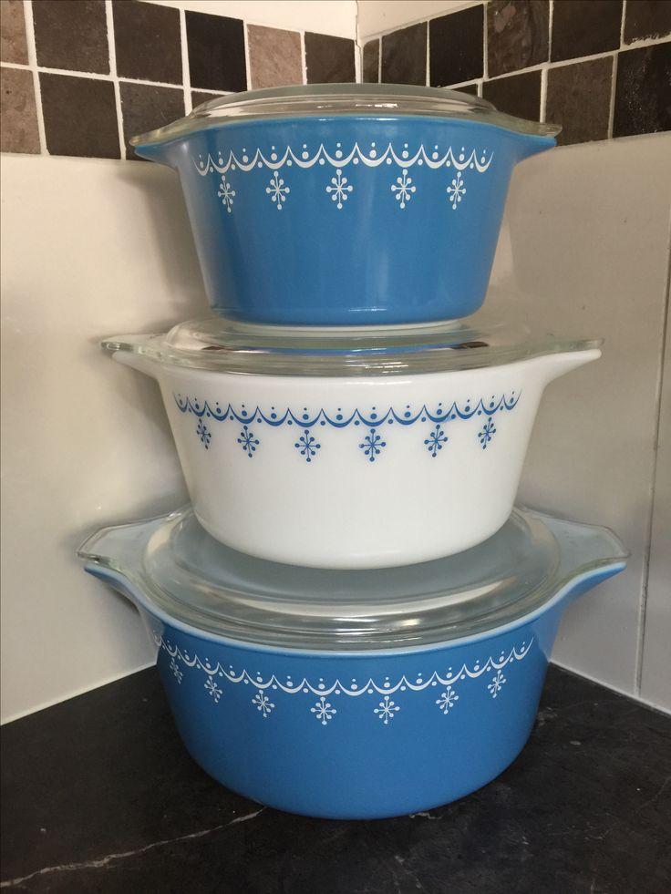 I am in LOVE!!! My vintage Pyrex casserole dish set 😍😍😍
