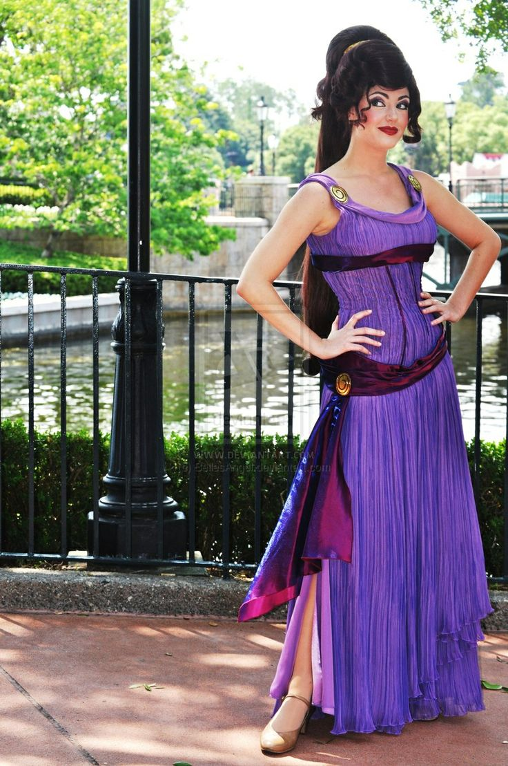 I want this Megara costume!