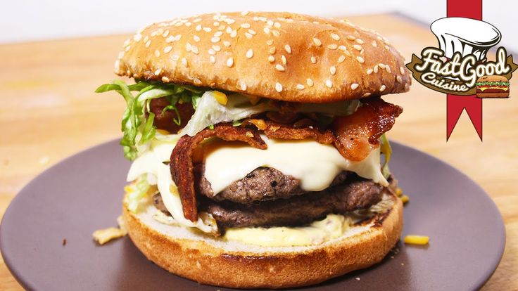 Recette McDo : Le Bacon & Cheddar Fondu ! Burger de Fou Je vous présente ma recette du nouveau burger disponible au Mcdo, il est trop bon ♥ ➜ Abonnez-vous, c...