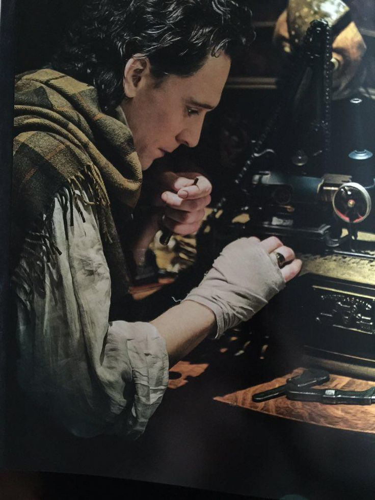 "RT: ""@CrimsonPeakFans: Sir Thomas a Sharpe tinkering away in his workshop. #CrimsonPeak #ArtofDarkness """