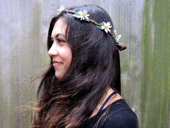 White Daisy Crown  Daisy Chain Flower Hair by BloomDesignStudio, $25.00