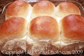 "Just like ""Golden Corral"" Dinner Rolls Recipe! (Thanksgiving Dinner Rolls) - Tips from a Typical Mom"