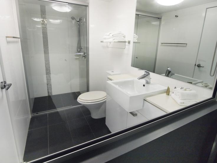 Oaks M on Palmer - City scape studio #1101b - Bathroom