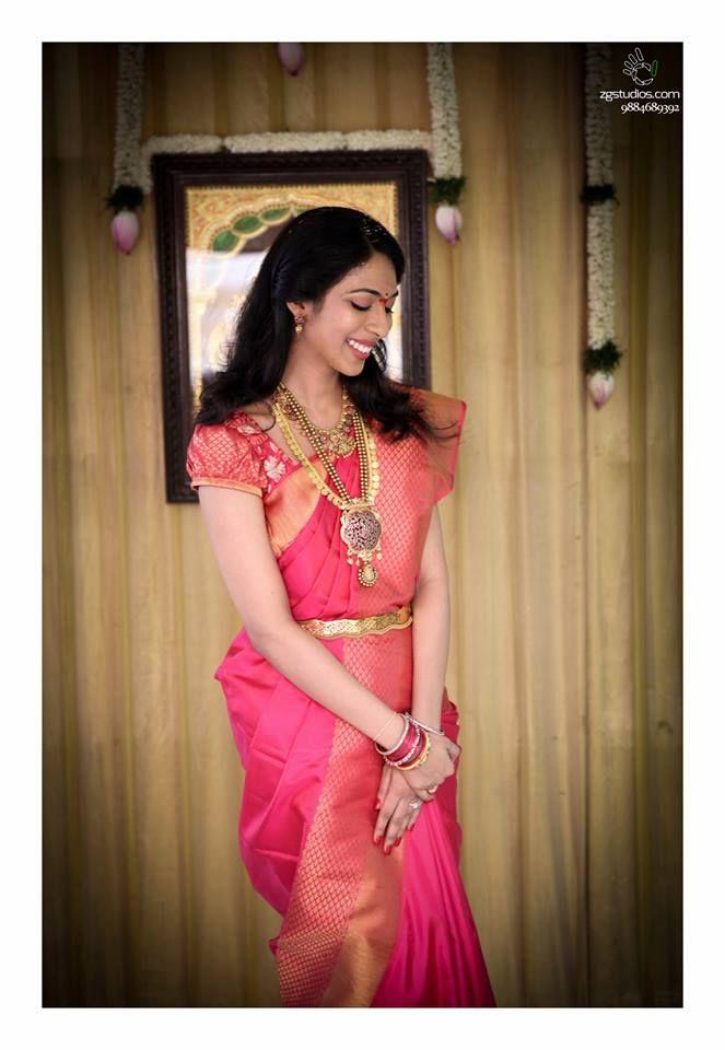 Indian wedding photography. Bridal photo shoot ideas. Traditional Southern Indian bride wearing bridal saree, jewellery and hairstyle. #IndianBridalMakeup #IndianBridalFashion