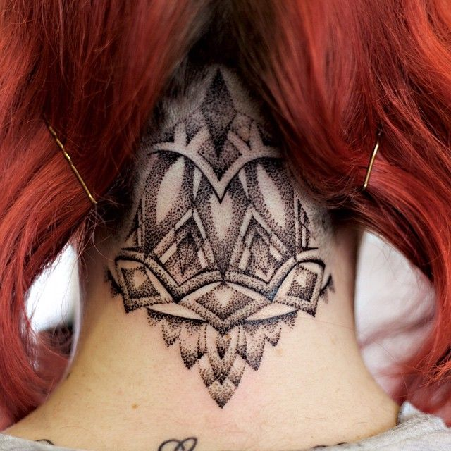 Back Of The Neck Tattoo Ideas And Inspiration: 1000+ Ideas About Mandala Tattoo Neck On Pinterest