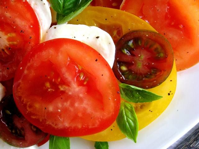 Insalate Caprese {recipe} ... YUM!