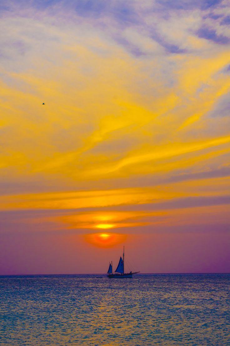 Ondergaande zon, maart 2013 Aruba