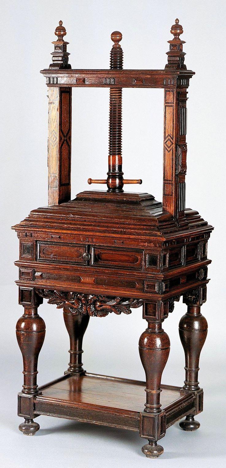 Linen press by Anonymous from Gdańsk, fourth quarter of the 17th century, Muzeum Sztuk Użytkowych w Poznaniu