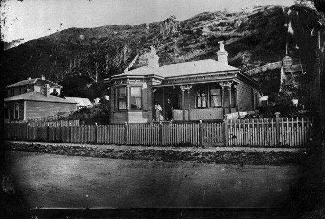 Unidentified house on Oriental Parade, Oriental Bay, Wellington