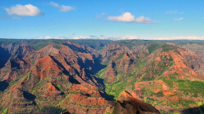 Waimea Canyon, Hawaii (SUA)  20 de poze deosebite cu canioane, adevarate sculpturi ale naturii - galerie foto.  Vezi mai multe poze pe www.ghiduri-turistice.info  Sursa : www.flickr.com/photos/keepitsurreal