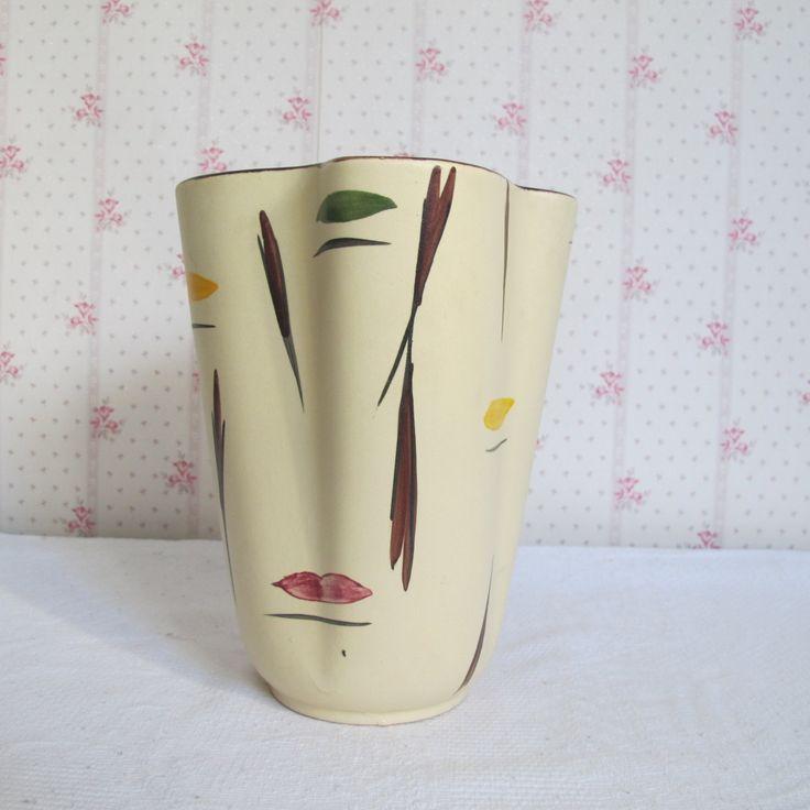 Vase typique des années 1950 vintage en céramique peint à la main- estampillé - vase rétro de la boutique CrazyFrenchVintage sur Etsy