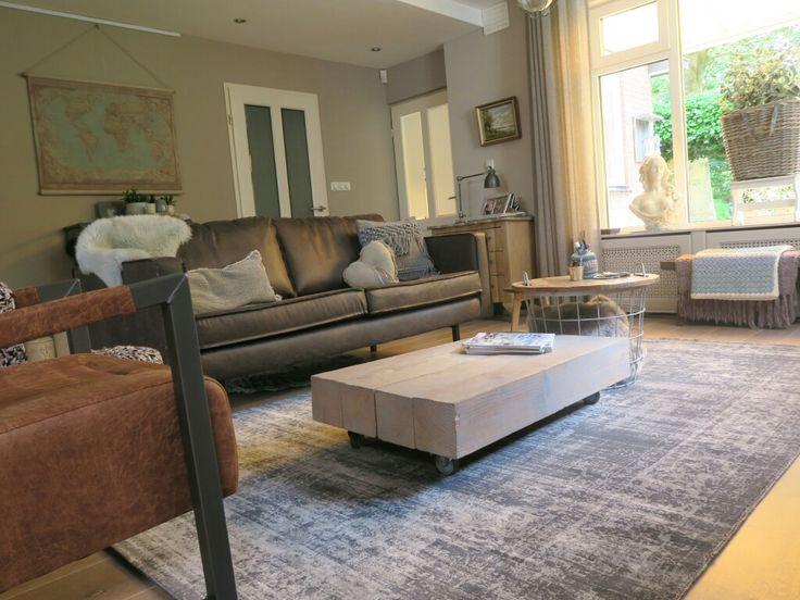 Nieuwe meubels en vloerkleed