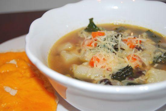 Yummy Potato, Bean, and Kale Soup Recipe: Black Beans, Potatoes Beans, Fresh Ingredients, Protein Packs Beans, Healthy Soups Recipes, Kale Soups Recipes, Kale Potatoes, Kale Soup Recipes, Beans Soups
