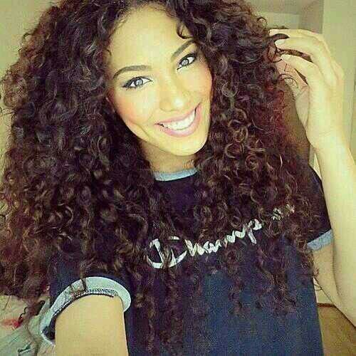I always wondered  if really long curly hair would be age appropriate for a woman in her 30's, but this looks good!