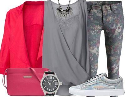 Grijs met een zomerse touch. de grijze broek met subtiele bloemenprint word op gefleurd door het opvallende jasje en kleine schoudertasje. Deze look bewijst dat grijs helemaal niet saai hoeft te zijn voor de zomer!