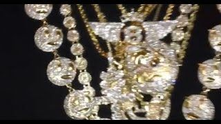 Chief Keef Flexing $900K Worth Of Ice On 8 Chains On - VIDEO