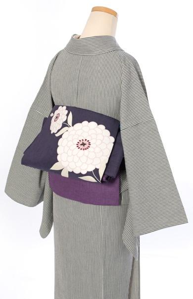 Linen kimono with flower pattern belt by Kururi