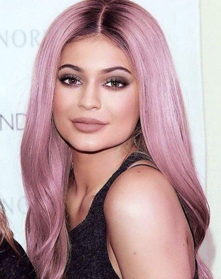 Have you seen Kylie Jenner's new red hair yet? This young trend-setter just posted new pictures on her Instagram with a brilliant new red...