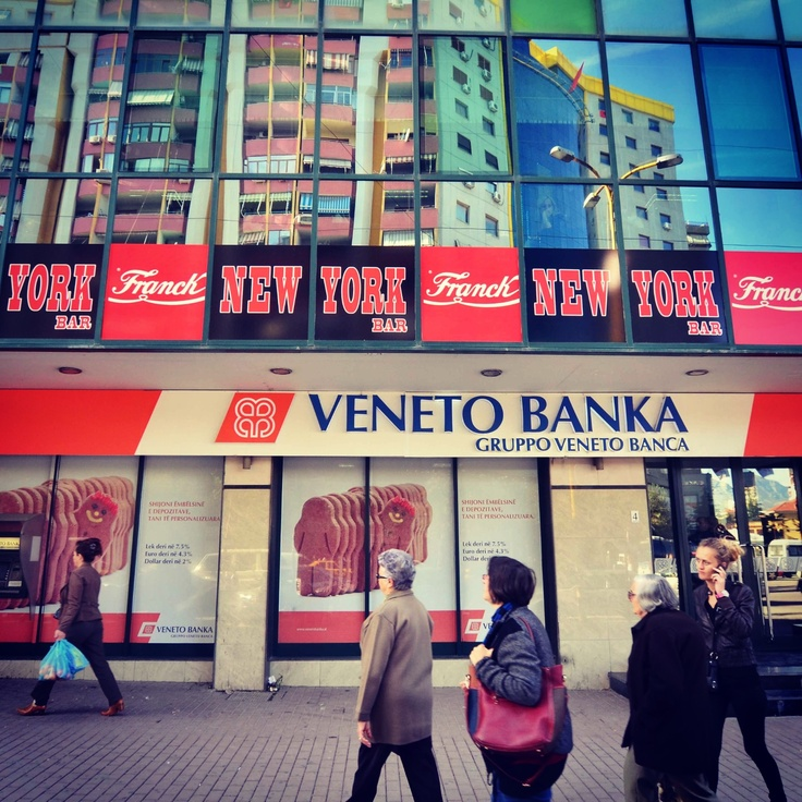 Veneto Banka in Boulevard Zogu I in Tirana.   Tirana ...