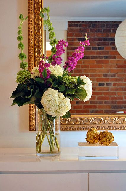 love this flower arrangement!