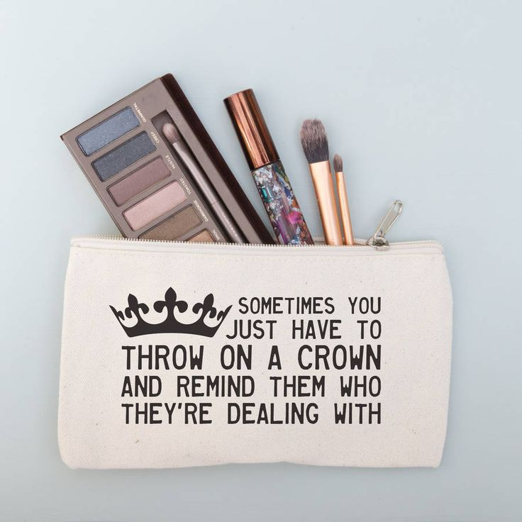 'Throw On A Crown' Quote Make Up Purse @notonthehighst