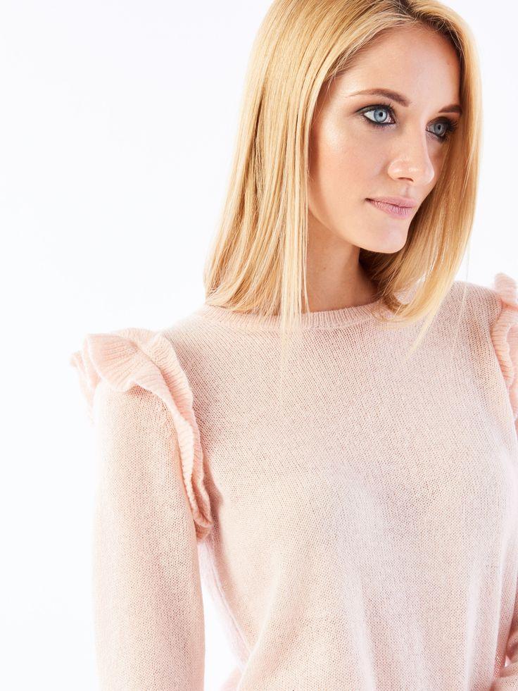 Romantyczny sweter z riuszkami na ramionach, SWETRY, BLUZY, rÓŻowy, MOHITO