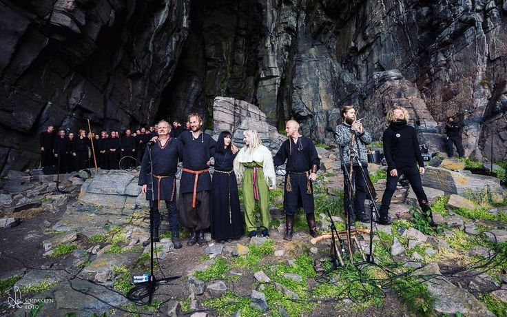 "AURORA singing ""Helvegen"" with WARDRUNA, another product of Norway. Song on Youtube under title of - Wardruna and Oslo Fagott kor. A dream combination, doesn't get any better than this as far as I'm concerned."