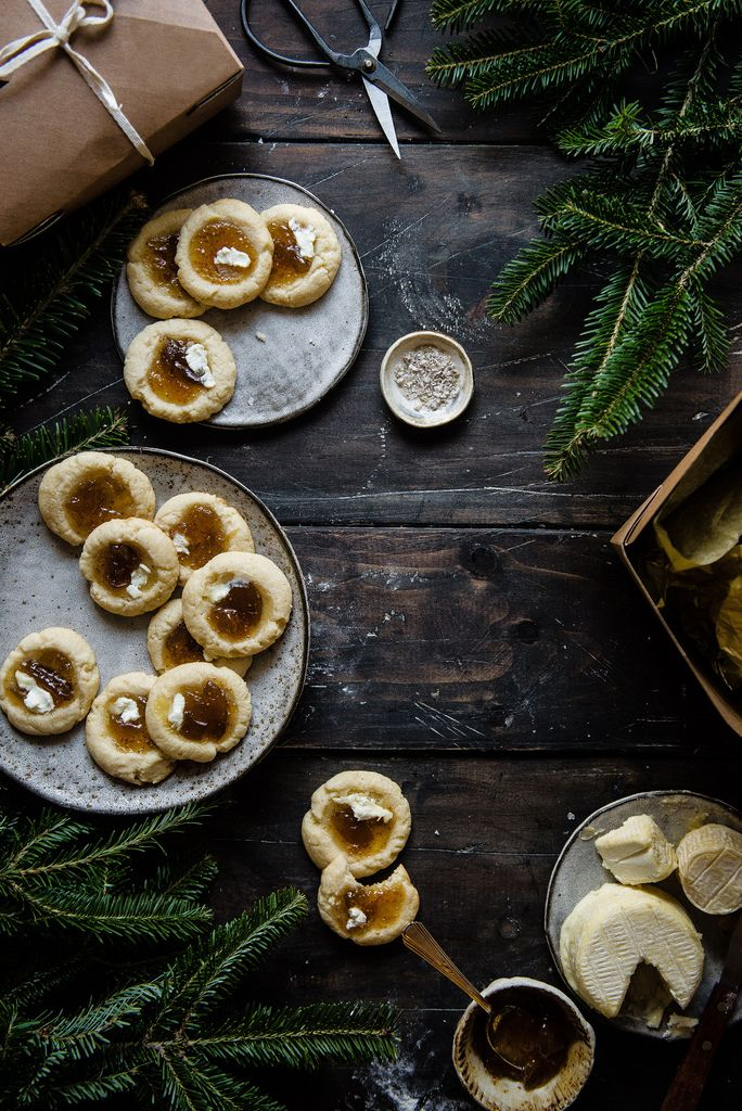 fig jam & goat cheese cookies | two red bowls