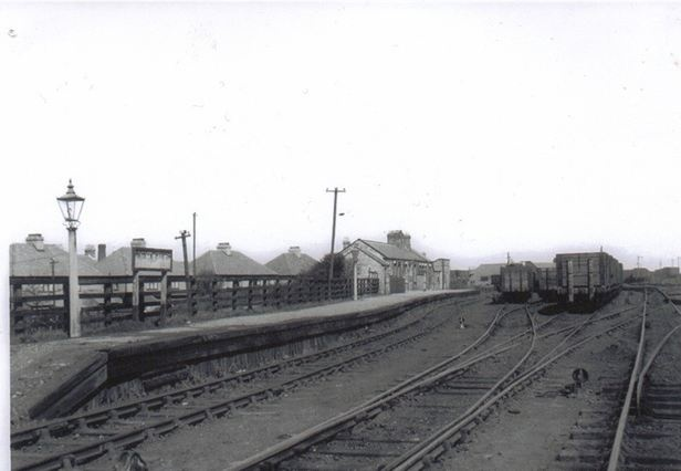 One hour at railway station essay in marathi on mla