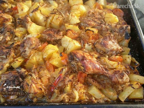 Zapečené zemiaky s kuracím mäsom a kyslou kapustou (fotorecept)