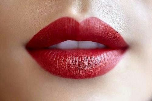 DIY lipstick:Using only coconut oil&crayons.