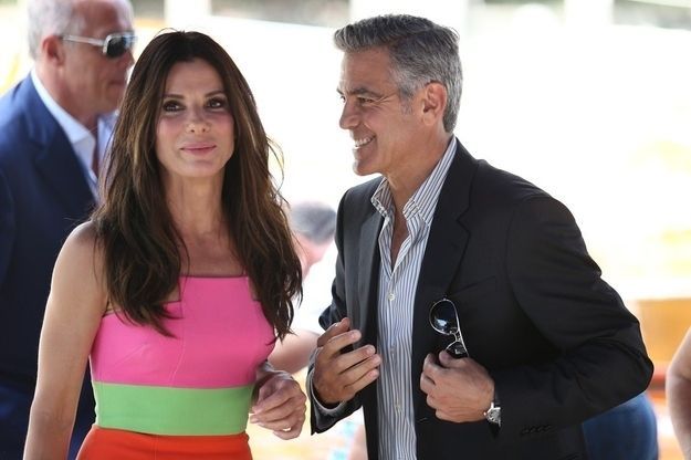 you wana date me, love me and marry meThen he couldn't take his eyes off her even when she walked away. | 32 Times Sandra Bullock And George Clooney Looked Like They Were In Love Recently