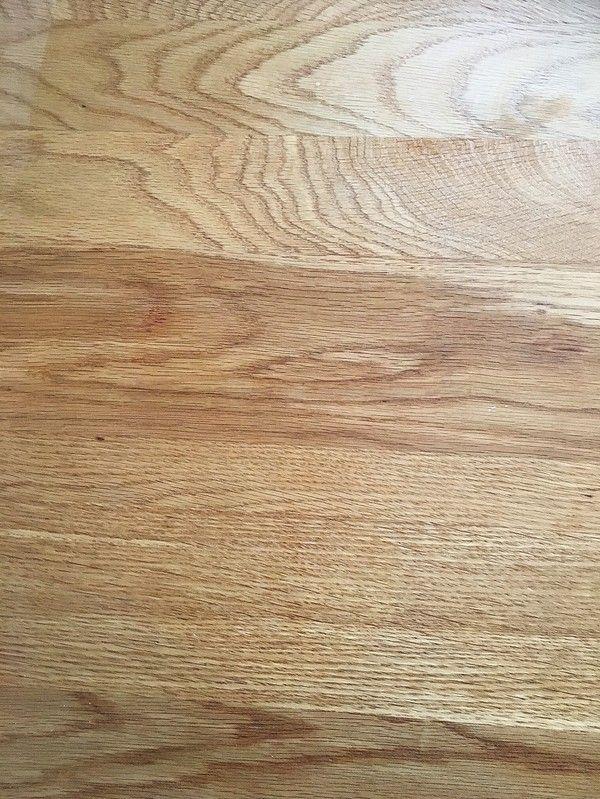 Så här får du bort fula fläckar & ringar från träytor