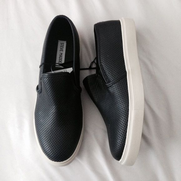 Nwt Steve Madden black slip ons Brand new size 9and 8.5 and only 1 8 left just lmk what size you'd like :) 100% authentic price is firm Steve Madden Shoes Flats & Loafers