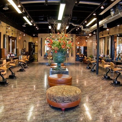 66 best images about hair salon interiors design etc on - Decoration salon style romantique ...