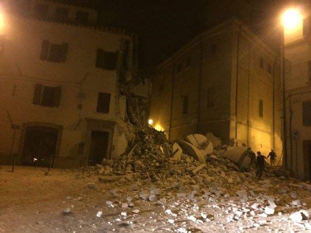 VIDEO Cutremur devastator în Italia. Clădiri prăbușite, străzi acoperite de moloz