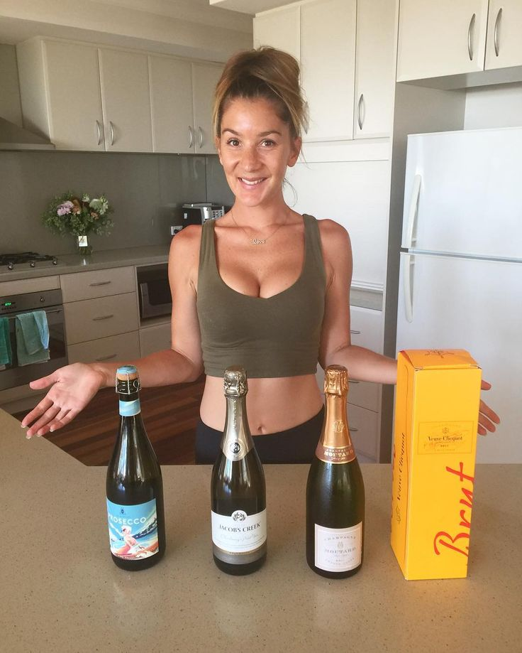 (CHAMPAGNE) PUBLIC SERVICE ANNOUNCEMENT  . I have laughed and smiled more the last 48 hours than I have in a whole week at my phone running HOT with calls / texts and FB PM's from friends who are asking for champagne advice - and so I thought maybe others would love to know my go to's. Aka the champagne that is ALWAYS stocked in my fridge). From the cheapest but still the best to the more expensive French deliciousness. . 1. Prosecco - de bortoli. $16 bottle. One of the best proseccos I have…